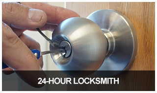 image of an emergency locksmith picking a residential door lock